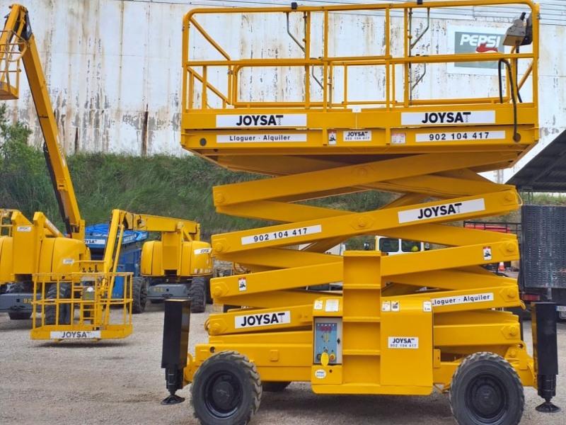 Alquiler de plataformas tijera diesel Barcelona