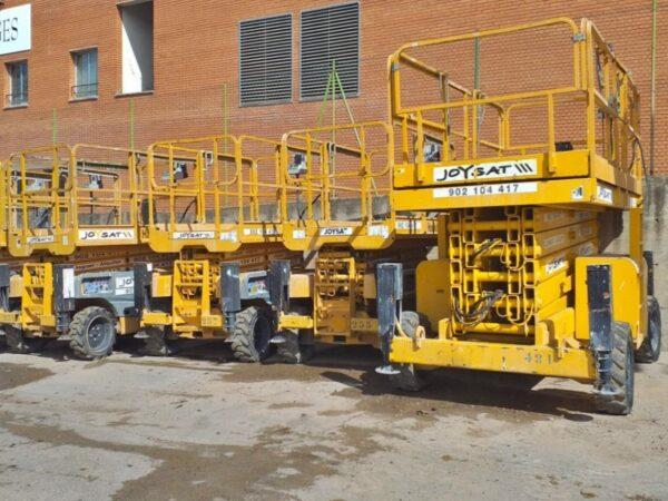 Alquiler de plataformas tijera diesel Manresa